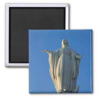 118 voet standbeeld van Maagdelijke Mary op San Magneet