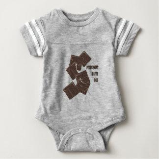 11 Februari - de Dag van het Pasteitje van de Baby Bodysuit