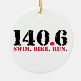 140.6 zwem de Looppas van de Fiets Rond Keramisch Ornament