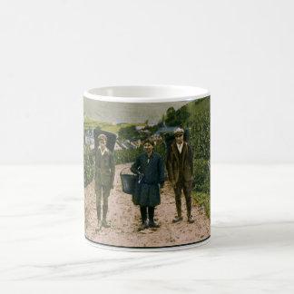 1900 de wijnoogst Schengen Luxemburg van Moezel Koffiemok