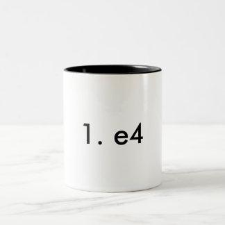 1. e4 tweekleurige koffiemok