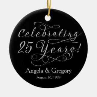 25ste Jubileum 25 van het Huwelijk Zilveren Zwarte Rond Keramisch Ornament