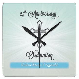 25ste Jubileum van Ordening, Vierkante Gift Vierkante Klok