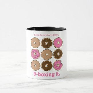 3 donuts plotseling van een dozijn mok