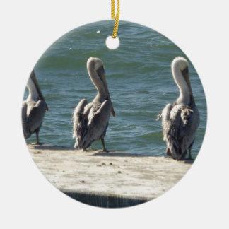 3 pelikanen rond keramisch ornament