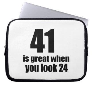 41 is Groot wanneer u Verjaardag kijkt Laptop Sleeve