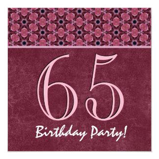65ste Verjaardag of Om het even welk Jaar Roze en 13,3x13,3 Vierkante Uitnodiging Kaart