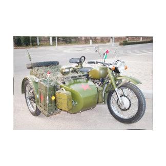 750B-2 legermotorfiets met een sidecar onduidelijk Canvas Afdrukken
