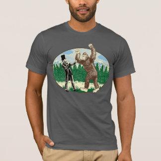ABE LINCOLN: SASQUATCH JAGER - Grappig Logo T Shirt