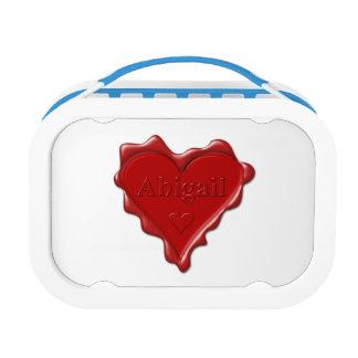 Abigail. De rode verbinding van de hartwas met Lunchbox