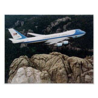 Air Force One die over Onderstel Rushmore vliegen Poster