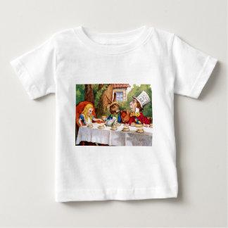 Alice bij het Theekransje van de Gekke Hoedenmaker Baby T Shirts