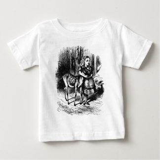 Alice en een Fawn Baby T Shirts