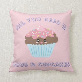 Allen u wenst is Liefde en Pastelkleuren Cupcakes Sierkussen