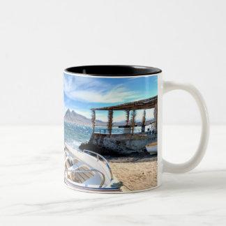 Almería, La Isleta Del Moro | brengt Mediterráneo Tweekleurige Koffiemok