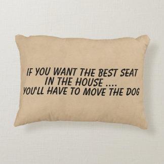Als u de beste zetelbeweging de hond wilt decoratief kussen