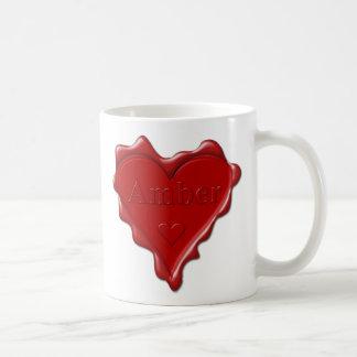 Amber. De rode verbinding van de hartwas met naam Koffiemok