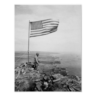 Amerikaanse Vlag die over Onderstel Suribachi Poster