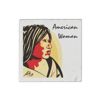 """""""Amerikaanse Vrouw"""" door Aleta Stenen Magneet"""