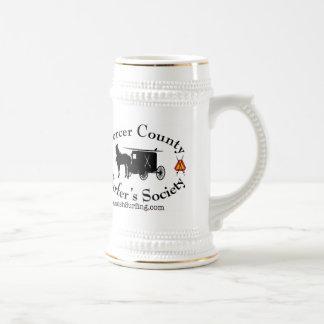 Amish die en het ski?en het bierstenen bierkroes bierpul
