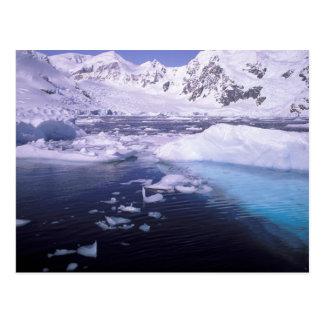 Antarctica. Expeditie door icescapes Briefkaart