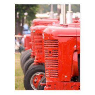 Antiek rode tractoren briefkaart