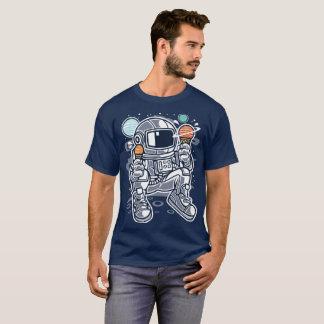 Astronaut die planetarisch roomijs in ruimte eten t shirt