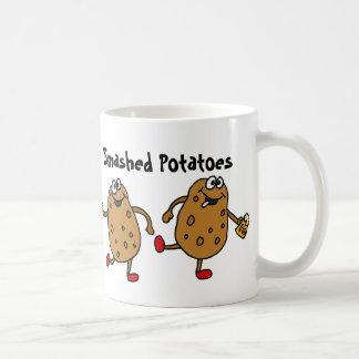 AZ- de gebroken Cartoon van Aardappels Koffiemok