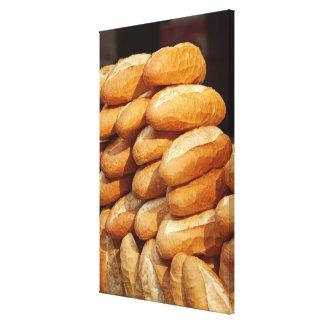 Baguette, brood, voor verkoop in straat door canvas afdruk
