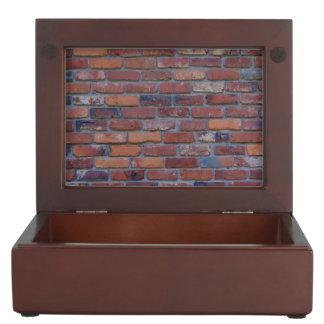 Bakstenen muur - rood gemengd bakstenen en mortier bewaardoosje