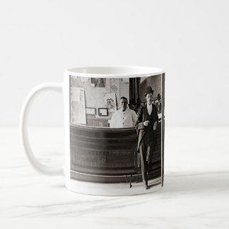 Bar van de Foto van het Hol 1890's van het Man van Koffiemok