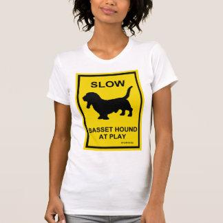 Basset Hound Langzaam bij de T-shirt van het Spel