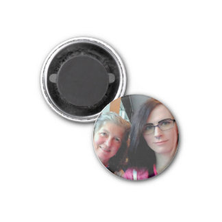 Becky and Lily Round Magnet Magneet