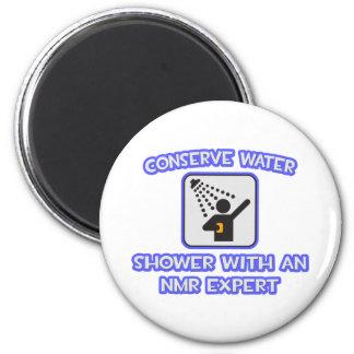 Behoud Water. Douche met een NMR Deskundige Magneten