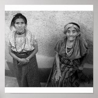 Bejaarde mayan vrouwen poster