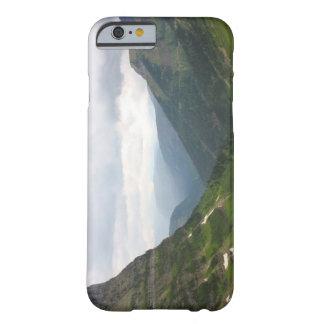 Bergen in het Nationale Park van de Gletsjer Barely There iPhone 6 Hoesje