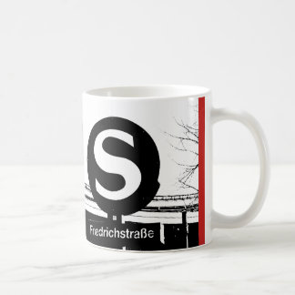 BERLIJN Friedrichstrasse_01.01.3.T_G_illu, s-Bahn Koffiemok