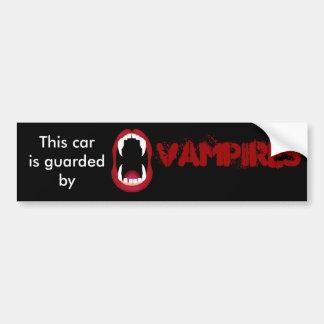 Bewaakt door vampieren bumpersticker