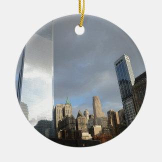 Bezinningen van New York Rond Keramisch Ornament