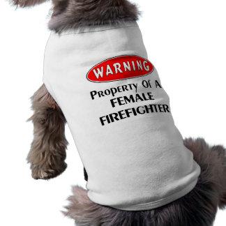 Bezit van een Vrouwelijke Brandbestrijder T-shirt