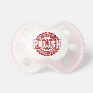 Bezit van Pools die de Fopspeen van het Team drink