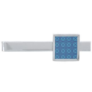 Blauw op Blauwe Bloemen Geometrische Patttern Verzilverde Dasspeld