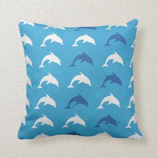 Blauwe dolfijnen sierkussen