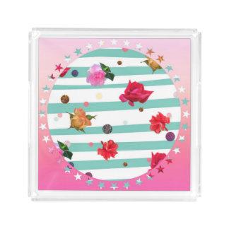 Bloemen in een roze ster-beslagen cirkel acryl dienblad