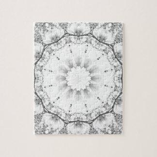 Bloemen mandala-stijl, bloesems lichtgrijze/grijs puzzels