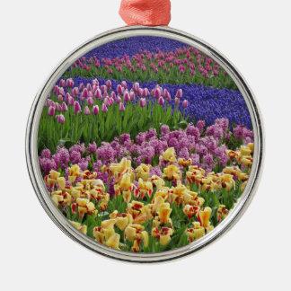 Bloemen van liefde zilverkleurig rond ornament