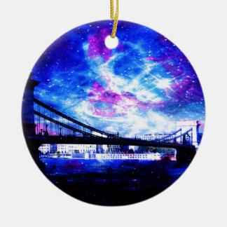 Boedapest DreamsTake van de minnaar een glimp van Rond Keramisch Ornament