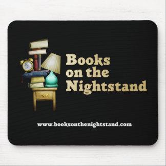 Boeken op Nightstand Mousepad Muismatten