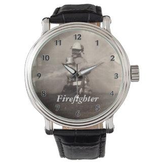 Brandbestrijder die de Lijnen werken Horloge
