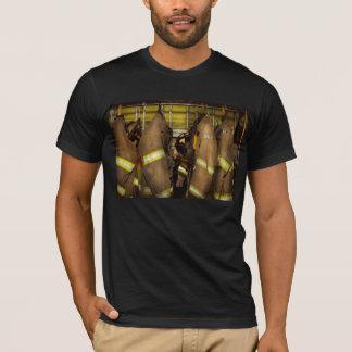 Brandbestrijder - het Toestel van de Bunker T Shirt